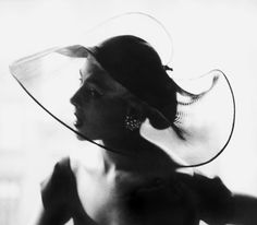 Vintage fashion photography by Lillian Bassman #EasyNip
