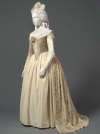 Woman's Dress (Robe à l'anglaise) with Zone Front  Made in United States    c. 1785-93
