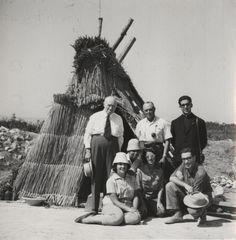 Retrato de grupo. Fondo Instituto Español de Prehistoria. http://aleph.csic.es/F?func=find-c&ccl_term=SYS%3D000078479&local_base=ARCHIVOS