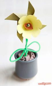How charming! You could make these Paper Pinwheel Flower Crafts for Mother's Day, Teacher Appreciation Week, or just because.