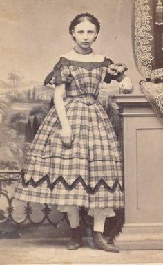 CDV Girl in Superb Victorian Dress 1860s | eBay