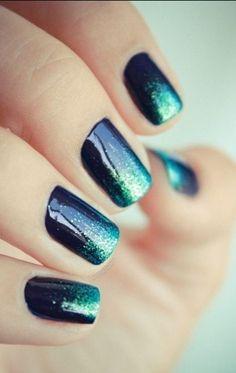 color, manicur, nail arts, glitter nails, gradient nails, galaxy nails, galaxi, deep blue sea, polish
