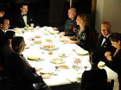 Invitados cena Manuel Da Silva. El tiempo entre costuras. Capítulo 10