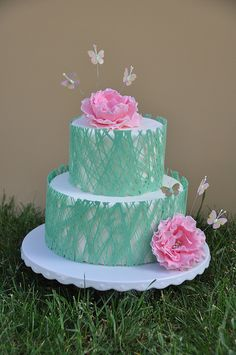 Butterflies and Flowers Cake ~ so pretty!