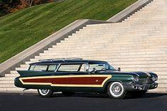 A Caddie station wagon....OMG!    1960 Cadillac Station Wagon by Superior Coach