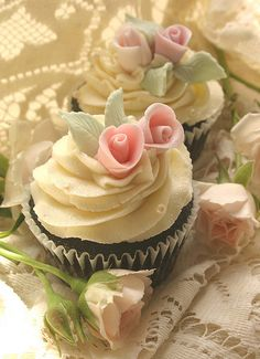Beautiful pink rose cupcakes from I Love Cupcakes