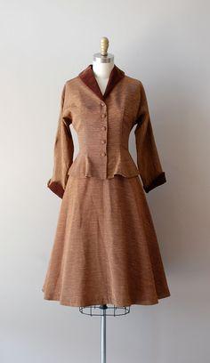 An elegantly beautiful Jonathan Logan 1950s brown dress suite. #vintage #fashion #1950s