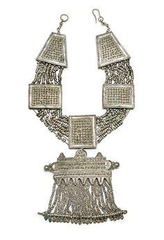 Yemen   Silver alloy necklace