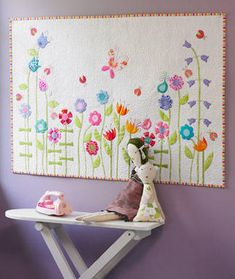 Pretty little appliqued flower quilt