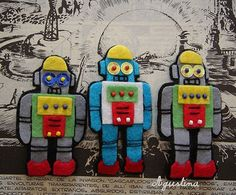 Felt Robot Brooches!