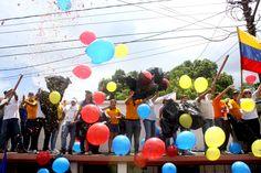 Nuestra Venezuela es: amarillo, azul y rojo #HenriqueCapriles @hcapriles