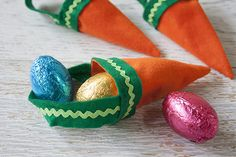 Tara Dennis - Easter Craft Idea - felt carrot bag - perfect for senior citizens in nursing homes