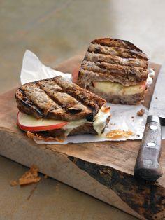 apple & artisan cheddar panini