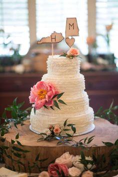 Rustic Luxe Destination Wedding at Historic Cedarwood | Cedarwood Weddings #CedarwoodWeddings #WeddingStyle #WeddingDesign #Nashville #DestinationWedding #SouthernChic #Weddingcake #cake
