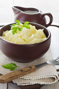 Slow Cooker Mashed Potatoes Recipe.  Via KitchMe