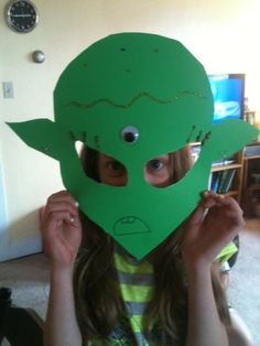 alien mask fun craft idea for the party!