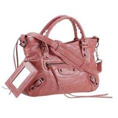 I NEED this Balenciaga bag!