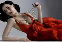 Dita Von Teese #dita #ditavonteese #burlesque #pinup #model #performer #styleicon #phenomenon