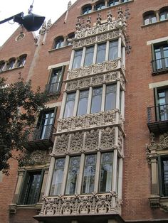 IMG_7884 by Diane Silveria, via Flickr  Barcelona windows