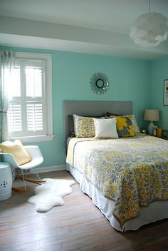 Aqua, gray and yellow room...