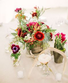 bright berry centerpieces with antlers
