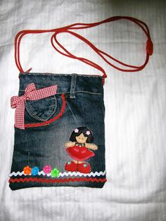 cositas a ganchillo: RECICLANDO VAQUEROS Y FUNDA IPHONE A CROCHET