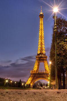 La Tour Eiffel by IPBrian, via Flickr