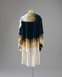 """House of Chanel (French, founded 1913) Gabrielle """"Coco"""" Chanel (French, Saumur 1883–1971 Paris) Coat 1927"""