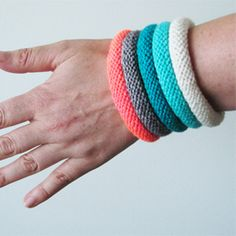 Free easy Knitted Bangles Pattern