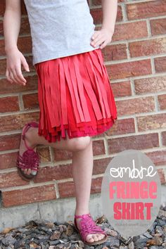 How cute! Follow along this super easy #sewing #tutorial to make your own #ombre fringe skirt.