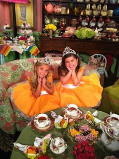 Sophia Grace & Rosie...most adorable little girls ever!
