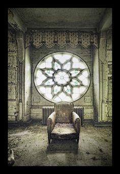 abandoned chateau~
