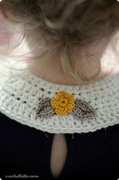 Free crochet pattern:  http://crochetlatte.com/2012/12/08/677/  I love this idea.