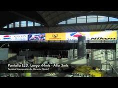 Pantalla LED Aeropuerto Alicante. Posiblemente puede ser la Pantalla Led mas grande instalada en la peninsula Iberica. Siluj suministra una pantalla Led de la marca Luppaled para la nueva terminal del areopuerto de Alicante. La grabación de este video se realiza en el periodo de pruebas.
