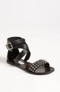 style, cloth, steve madden, sandals, sandal shoe