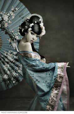geisha #umbrellas #parasols