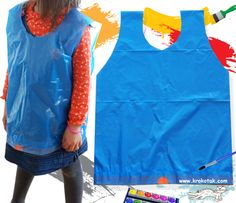 Make an art smock from an upside-down plastic bag