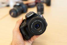 Canon 100D z obiektywem 40mm - chętnie byśmy się takim pobawili :)   #canon #eos #100d