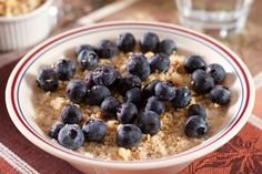 Try this oatmeal with blueberries for a healthy breakfast! #recipe #simple #teambeachbody