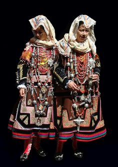 Spain | Traditional costume from the mountainous area of La Alberca,  province of Salamanca in the autonomous community of Castilla y León.  These also sometimes were worn as wedding dresses. | © Soslyos (Chema G.) via flickr