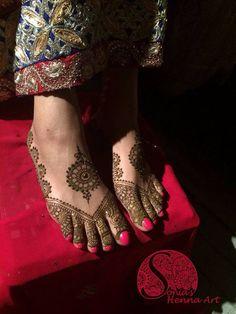 mendhi pattern for feet
