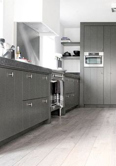 Keuken kitschen on pinterest white kitchens kitchen shelves and va - Keuken blauwe nacht ...