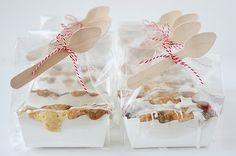 so cute...mini cherry almond crumb cakes made by Stephanie at Stephmodo