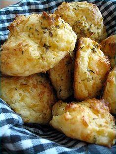 Salt & Turmeric: Cheesy Garlic Biscuits