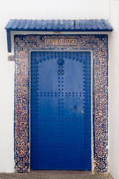 http://nadlerphotography.com/wp-content/uploads/2010/04/19-Moroccan-Doors.jpg
