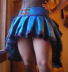 How to make your own bustle skirt (Tutorial)