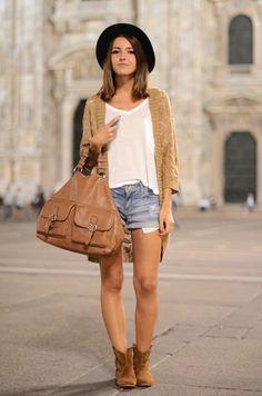 #BackpackerFashion travel wear
