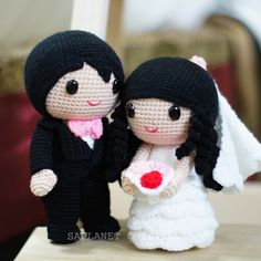 Best selling wedding doll design - Jake & Fiona. Available in Ready Stock.  #weddingdolls #wedding #saplanetoriginals #crochet #handmade #amigurumi #decoration #gifts