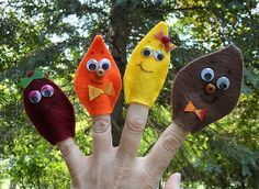 Felt Leaf Finger Puppets are a great way for the whole family to enjoy the changing fall leaves!
