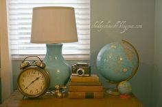 gold/orange, turquoise guest bedrooms, color, old clocks, thrift store finds, aqua, guest rooms, vintage vignettes, globe, bedroomhous idea